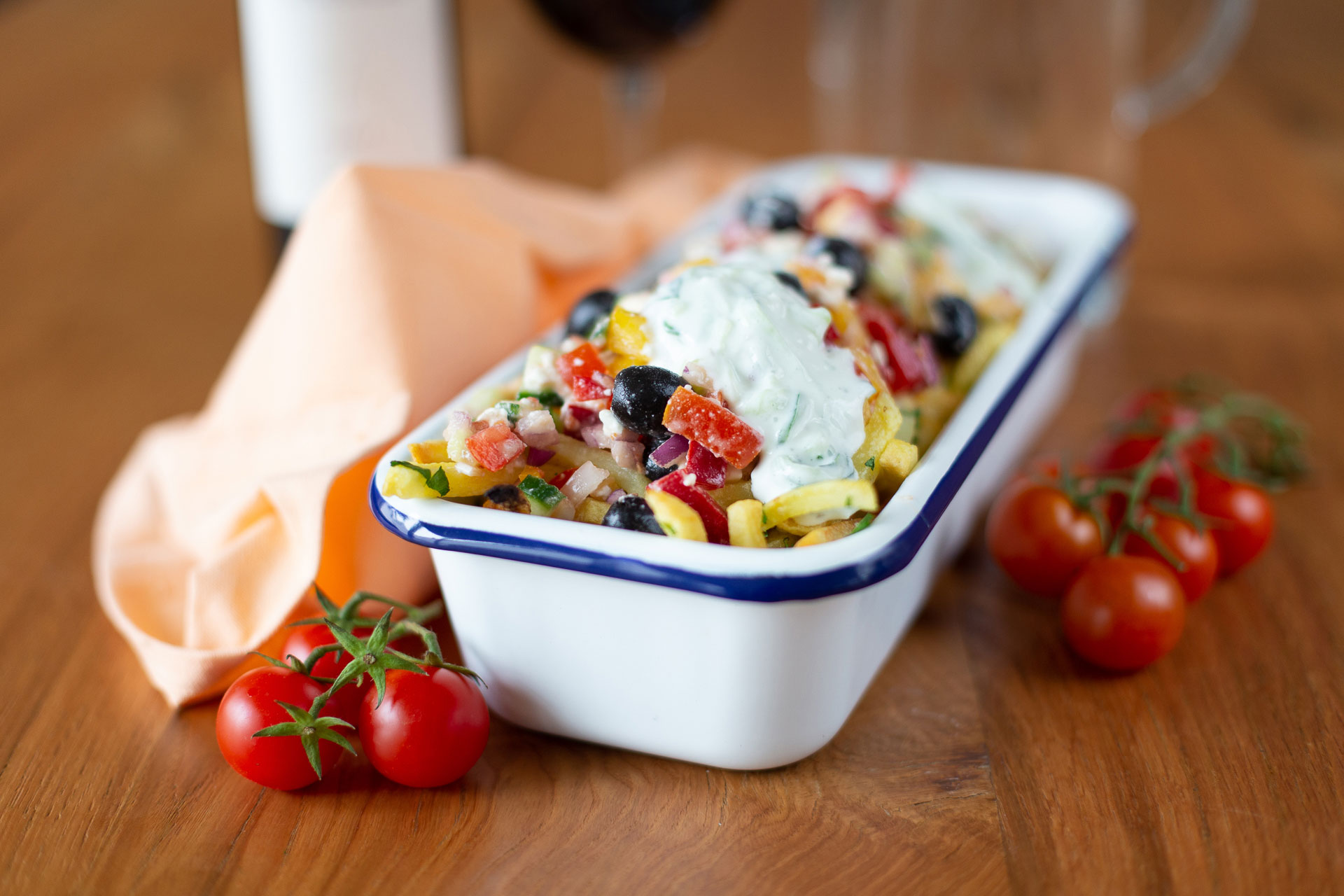 loaded-fries-greek-style-pommes-griechische-art-web